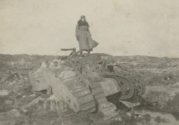 Mairi Chisholm, Irene 'Winkie' Gartside-Spaight in No Man's Land, c.1916 (C) The National Library of Scotland