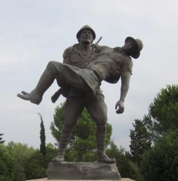 Bronze sculpture Turkish soldier carrying a wounded Anzac soldier