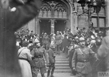 King Albert and Queen Elisabeth cheered by crowd Bruges Nov 1918