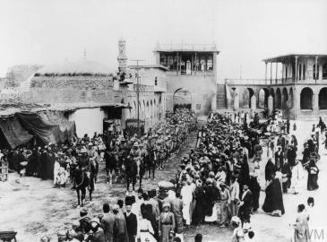 Entry of British troops into Baghdad, 11th March 1917 © IWM (Q 24168)