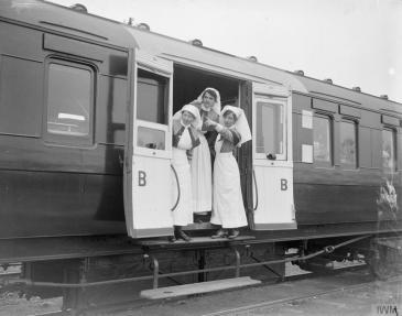 Nurses on a RAMC ambulance train near Doullens, 27 April 1918. © IWM (Q 8738)